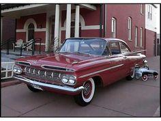 1959 Chevrolet Biscayne 2-Door Sedan