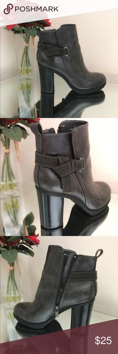Gray ankle boots Excellent condition Shoes