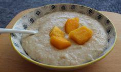 Abendbrei Rezept für Grießbrei mit Mango ab dem 7. Monat. Der Brei schmeckt nach Sommer und ist richtig gesund, denn die Mango ist eine wahre Vitaminbombe.