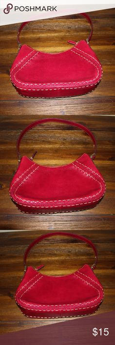 Liz Claiborne Red Tote Red Liz Claiborne Tote ,used , in great condition . Liz Claiborne Bags Totes