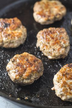Gluten free and Whole 30 Compliant, this Low Fodmap Breakfast Sausage recipe offers a classic breakfast staple without the garlic or onion powder! Andoille Sausage Recipes, Breakfast Sausage Recipes, Pork Recipes, Cooking Recipes, Whole30 Recipes, Free Recipes, Crohns Recipes, Healthy Recipes, Flour Recipes