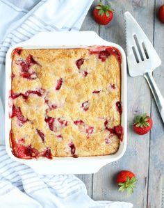 Easy-Strawberry-Rhubarb-cobbler