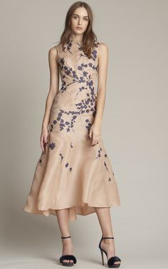Monique Lhuillier Pre-Fall 2016 - Preorder now on Moda Operandi