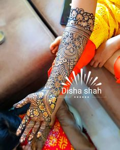 Best 12 Happy new year to everyone! 2018 has been great for me.Choosing henna as my full time career was my best decision this year. I can't… – SkillOfKing. Rose Mehndi Designs, Latest Bridal Mehndi Designs, Khafif Mehndi Design, Mehndi Designs For Girls, Indian Mehndi Designs, Mehndi Designs 2018, Modern Mehndi Designs, Wedding Mehndi Designs, Mehndi Design Pictures