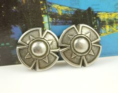 Flower Shield Metal Buttons , Antique Silver Color , Shank , 0.91 inch , 6 pcs by Lyanwood, $6.00