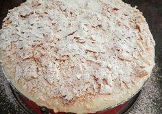Για αυτήν τη συνταγή δεν έχω λόγια!!!! με έχει βγάλει ασπροπροσωπη παντού. Όλοι με ρωτάνε για το πως μπορεί να είναι τόσο αφράτο... και όμως! Είναι τόσο αφράτο, βελούδινο, γευστικό και λαχταριστό που είναι η καλύτερη συνταγή μιλφειγ που υπάρχει!!! Greek Sweets, Greek Desserts, Party Desserts, Greek Recipes, Desert Recipes, Cooking Time, Cooking Recipes, Puff Pastry Recipes, Sweets Cake