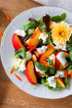 Caprese Salad, Mozzarella, Recipes, Food, Essen, Meals, Ripped Recipes, Yemek, Insalata Caprese