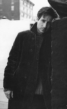 David Duchovny, 1995 Saks Fifth Avenue catalog Hank Moody, David And Gillian, Dana Scully, Sexy Men, Hot Men, David Duchovny, Roman, Gillian Anderson, Raining Men