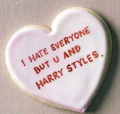 Comida De Halloween Ideas, Harry 1d, Hate Everyone, Def Not, Harry Styles Pictures, Mr Style, Harry Edward Styles, Photo Dump, Larry Stylinson