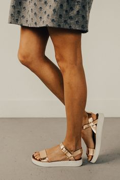 Meet in the Middle Sandal | ROOLEE