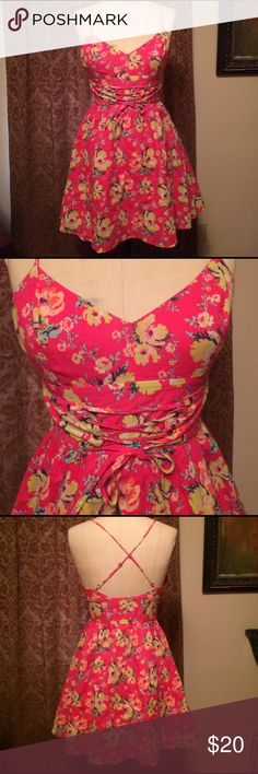 """Kimchi Blue Pink Floral Dress Sz 4 Kimchi Blue pink lined Floral dress size 4. Has adjustable crisscross straps and a corset-style built-belt in the front. 31"""" long Kimchi Blue Dresses Mini"""