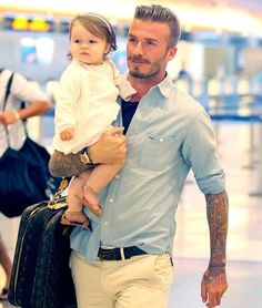 Nothing sexier than a well dressed man with his adorable daughter! Men's style icon