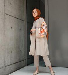 Hijab Chic, Hijab Elegante, Casual Hijab Outfit, Hijab Style, Pakistani Fashion Casual, Muslim Fashion, Modest Fashion, Fashion Outfits, Hijab Fashionista