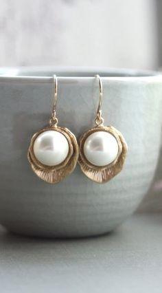 Pearls in golden shells