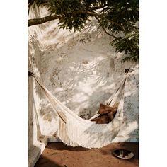 Bain de soleil, chaise longue et hamac Ferm living Hamac PATH Indoor Outdoor, Outdoor Decor, Green Garden, Hammock, Paths, Outdoor Furniture, Design, Gardens, Chaise Longue