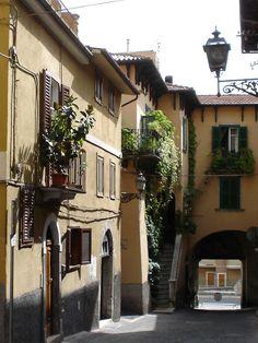 Old street Sulmona, Abruzzo_ Italy