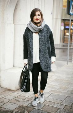Street style sneakers outfit