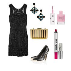 Gorgeous Alberta Ferretti dress in this entry for the Little Black Dress fashion challenge #fashion #outfit #style