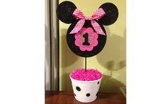 Para um aniversário de um ano com tema da Minnie, esta é uma opção simples e fácil de fazer. Foto: Pinterest/Kim Gonzales