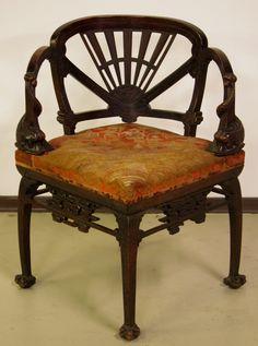 Eckstuhl im chinesischem Stil  Epoche : Sonstige Holzart : Sonstige Maße : Höhe 78 cm, Sitzhöhe 43cm, Länge 47 cm, Tiefe 47 cm Kennung : Nr. 116