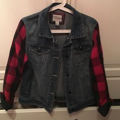 Jean jacket with plaid arms I purchased this jacket and never wore it once!!! It's not really for me, hopefully it will be a perfect fit for someone else's closet! It's very stylish and a different fun kind of jean jacket. It is a size large but I wear a medium and it fits me perfectly Jackets & Coats Jean Jackets