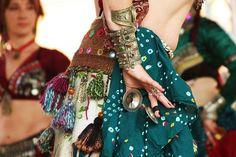Devadasi Caravan, der Tribal Belly Dance Truppe by firasgraphy فراس الاحمدي, via Flickr