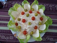 Ensaladilla rusa con forma de flor - Las Recetas de Guada Patatas Chips, Cheese, Flower, Olives, Lettuce, Salads, Olivier Salad, Favorite Recipes, Shapes