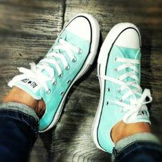 Tiffany blue converse, I love them!