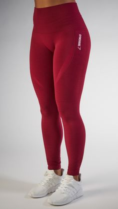 With their stunning and form fitting shape, the Seamless High Waisted leggings in Beet are beautifully different.