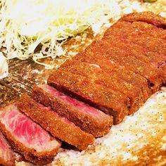 まきガールと久しぶりに浜松町ランチ。久しぶりに「#シェノブ」さん行きたかったけど、やったなかったから急遽牛カツの「#もとむら」さんへ。久しぶりの牛カツ美味しかった^ ^肉はやっぱり生かレアが大好きです#ランチ#lunch#肉#beef#カツ#牛カツ#レア#わっつぁ#ピース#✌️#わんぱーぱす#内部生#ファミリー#instasize#instagood#instafood#20170609#東京#tokyo#浜松町#hamamatsucho#梅ログ