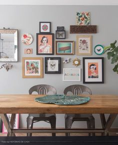 a gallery wall full of memories #decor #walls #paredes #quadros #gallerywall