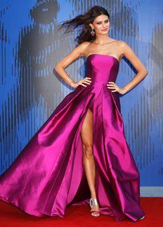 winter dresses with heels to copy asap - cute dresses outfits Cute Dress Outfits, Cute Dresses, Prom Dresses, Fashion 2017, Star Fashion, Fashion Show, High Fashion, Winter Dresses, Evening Dresses