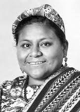 Rigoberta Menchú es ganadora del premio nobel de la paz por defender los derechos humanos de los indígenas que fueron víctimas durante el conflicto armado. Su premio es un poco controversial, ya que dicen que muchas de sus historias fueron tergiversadas.