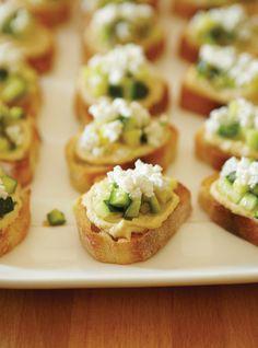 Ricardo& recipes : Zucchini and Feta Bruschetta Vegetable Recipes, Vegetarian Recipes, Oscar Food, Zucchini Hummus, Ricardo Recipe, Mini Foods, Appetisers, Party Snacks, Sweets