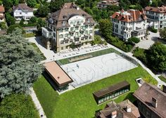 Situated in a residential area in the heart of the city, the Brillantmont International School campus contains several heritage buildings, built between 1896...