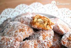 Receta de borrachuelos malagueños Hispanic Desserts, Spanish Desserts, Types Of Desserts, Spanish Dishes, Small Desserts, Malaga, Mexican Food Recipes, Sweet Recipes, Biscuits