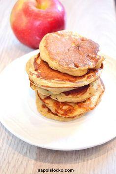 """Pyszne, wyjątkowe, idealna na każdy posiłek, czyli pełnoziarniste placki z jabłkami bez cukru. To już kolejny przepis na tradycyjne danie w nowej odsłonie. Zmieniłam je bo chciałam, aby mogło pojawić się na stole cukrzyka, osoby z insulinoopornośćią czy każdej innej osoby, która dba o siebie i o to co je. Zamienniki: – mąka pszenna """"zwykła"""" … Czytaj dalej Pełnoziarniste placki z jabłkami bez cukru → Baby Food Recipes, Diet Recipes, Cooking Recipes, Healthy Recipes, Sugar Free Sweets, Cooking Time, Healthy Snacks, Good Food, Health Desserts"""