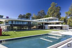 The Carters ~ Beyonce and Jay-Z Are Close To Buying A Modern $90 Million Dollar Mansion in Bel-Air.
