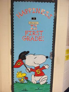 Snoopy Door Decoration Idea- Melissa Fox I need some help!!!!!  Although mine needs to say Kindergarten and it is for the hallway bulletin board.