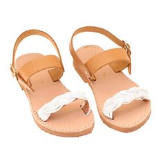 Very elegant and lightweight, suit with every kind of dress! Available in more colors on website. Sneak a peek! Toddler Girl Shoes, Girls Shoes, Kids Shoe Stores, Kid Closet, Ancient Greek Sandals, Kids Fashion, Womens Fashion, Leather Sandals, Gold Jewelry