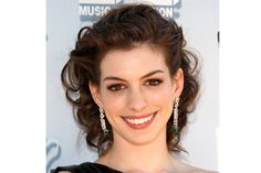 More Anne Hathaway updo.