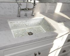 #Linkasink | Floral Mother of Pearl Inlay | White Bath |Bridge Faucet