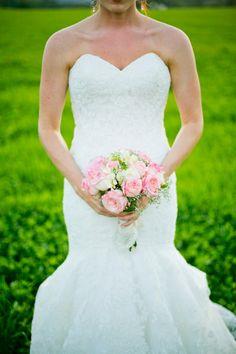 Sweet Violet Bride - http://sweetvioletbride.com/2013/10/diy-rustic-vermont-wedding-barn-boyden-farm-ampersand-photography/