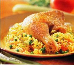 RECETA DE #ARROZCONPOLLO  Sugerencias: Servir con Sarza Criolla Servir con papa a la Huancaina Adornar con tiras de pimiento   soazado.  http://saborysazon.blogspot.com/2013/04/la-receta-del-arroz-con-pollo.html