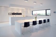GF Concepts - moderne keuken wit Luxury Kitchen Design, Kitchen Room Design, Interior Design Kitchen, Kitchen Decor, Kitchen Ideas, Open Kitchen And Living Room, Modern Kitchen Cabinets, Diy Kitchen Storage, Minimalist Kitchen