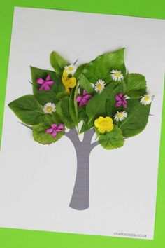 Tree Nature Craft for Kids with Free Printable #naturecrafts #kidscrafts #summercrafts