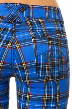 The Tartan Skinny Pant in Royal. Now to get a better butt to fit in skinny pants. Mode Tartan, Tartan Plaid, Plaid Outfits, Cool Outfits, Tartan Clothing, Tweed, Style Anglais, Looks Jeans, Tartan Fashion