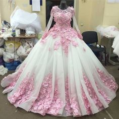 Full Sleeve White Organza Pink Flowers Ball Gown Wedding Dresses 2017 O Neck Appliqued Lace Bridal Gowns Cathedral Train