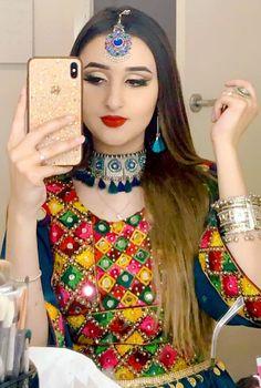 Stylish Girls Photos, Girl Photos, Afghani Clothes, Full Hand Mehndi Designs, Dps For Girls, Afghan Girl, Afghan Dresses, Girl Attitude, Girls Dpz