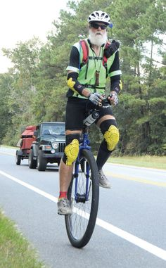 Long-distance unicyclist rolls into town: There's purpose in the 3,000-mile trek